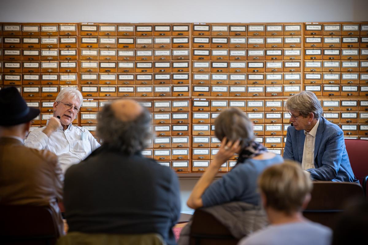 Dominique Bourg salon du livre en ville